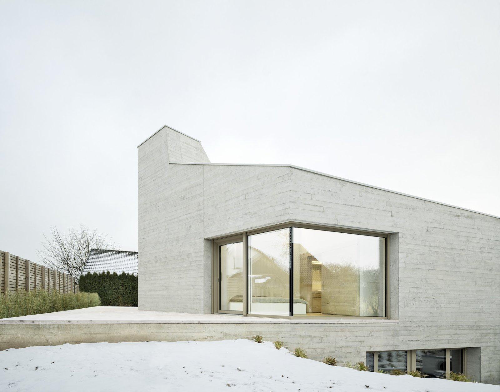 Front facade  E20