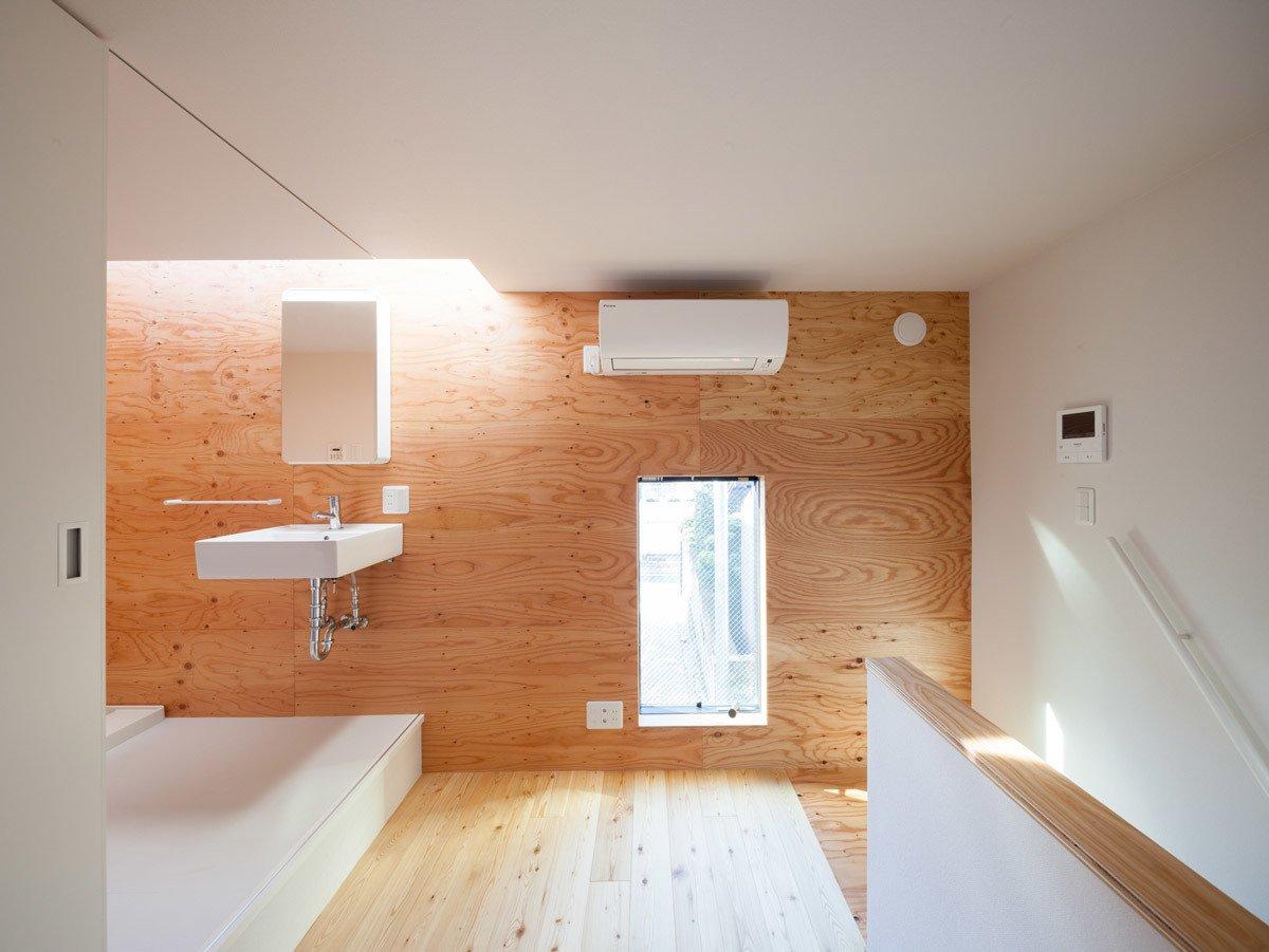 Bathroom  Gururi