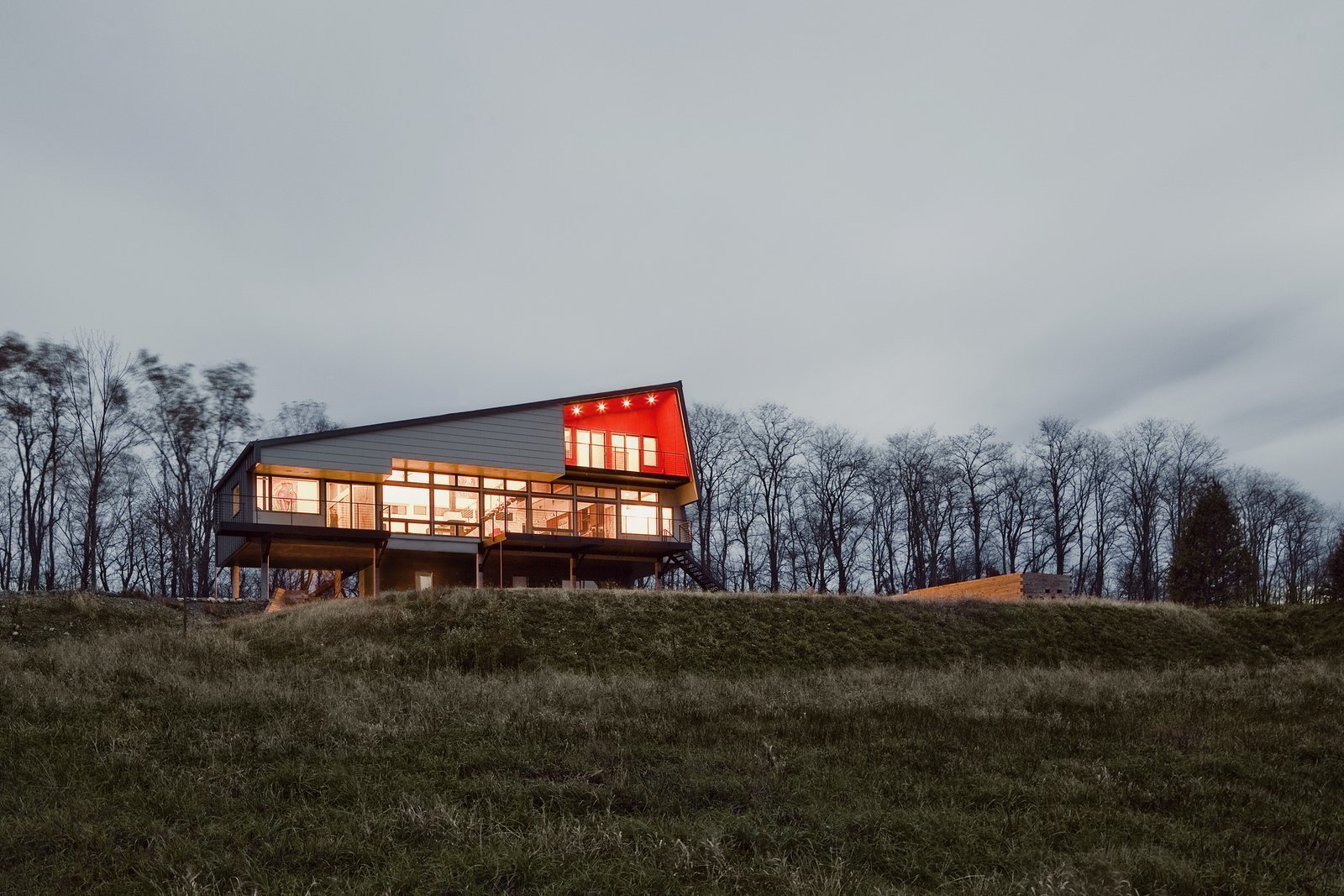Exterior, Shed RoofLine, and House Building Type A home in Hudson Valley, New York.  Photo 2 of 10 in Top 10 Cities to Witness Stunning Architecture Across America