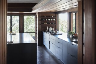A Classic Midcentury Home in Napa Gets a Kitchen That Complements its History