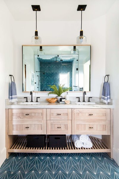How to Make Your Powder Room Look Absolutely Dynamite, According to the Experts