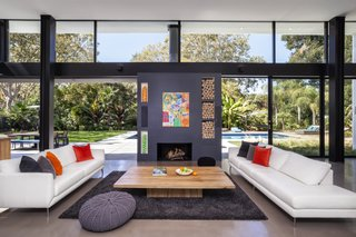 A Silicon Valley Eichler Becomes a Cheery Hub Where Dozens Can Gather