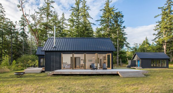 A Forest Retreat in Washington Takes Cues From Scandinavian Design