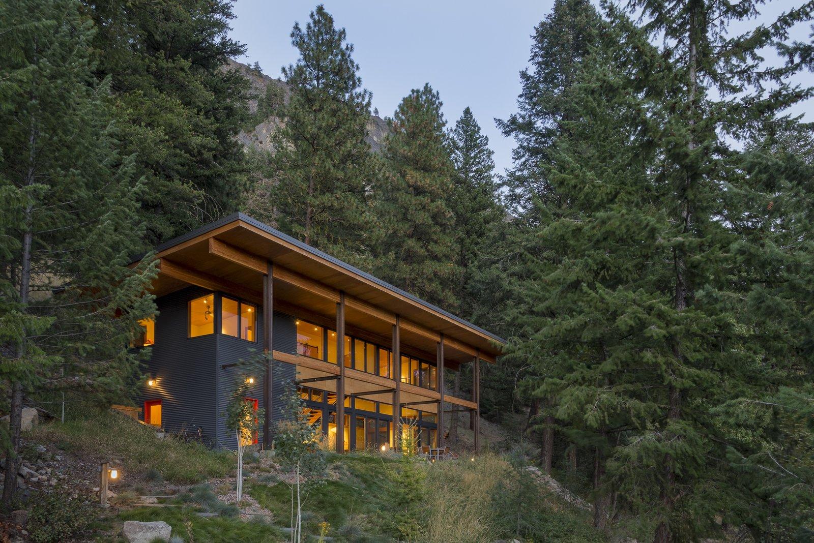 Articles about modern mountain retreat washington on Dwell.com