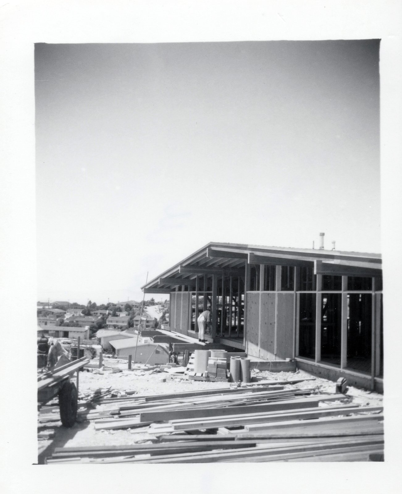 DeLeeuw Residence black and white historic photo of mid century home being built.