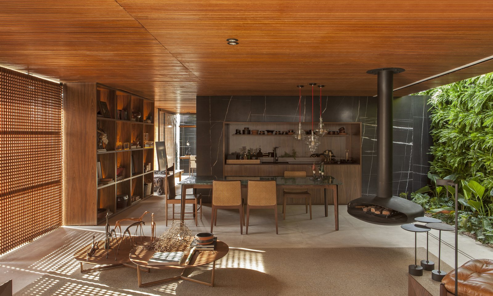 Collector's Nook by mf+arquitetos living area