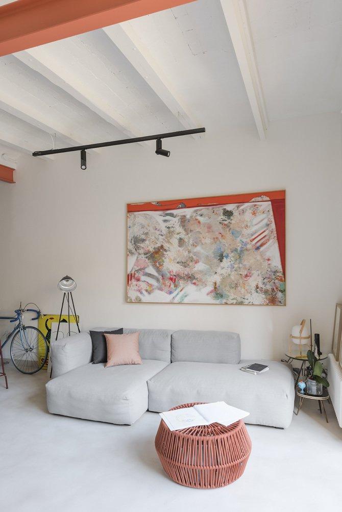 Font 6 apartment living room