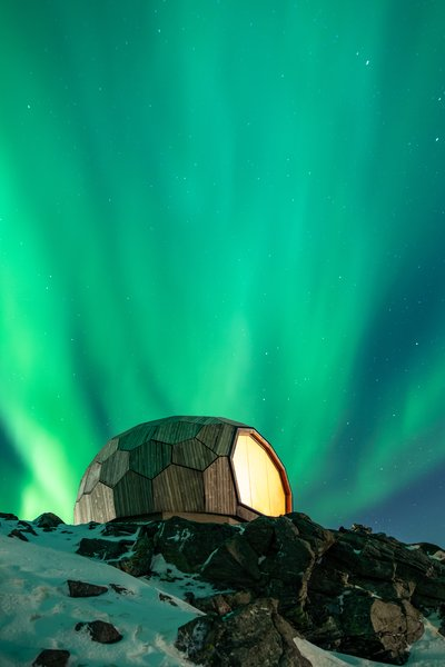 The overall construction cost of the Hammerfest Cabin was about €100,000, including many hours of volunteer work.