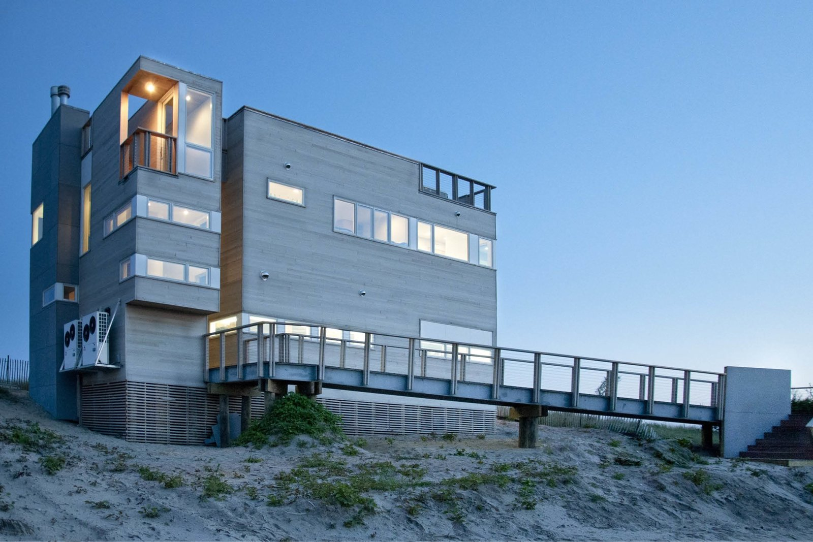 Exterior, House Building Type, and Wood Siding Material Northeast corner at entrance   Dune Road Beach House by Resolution: 4 Architecture