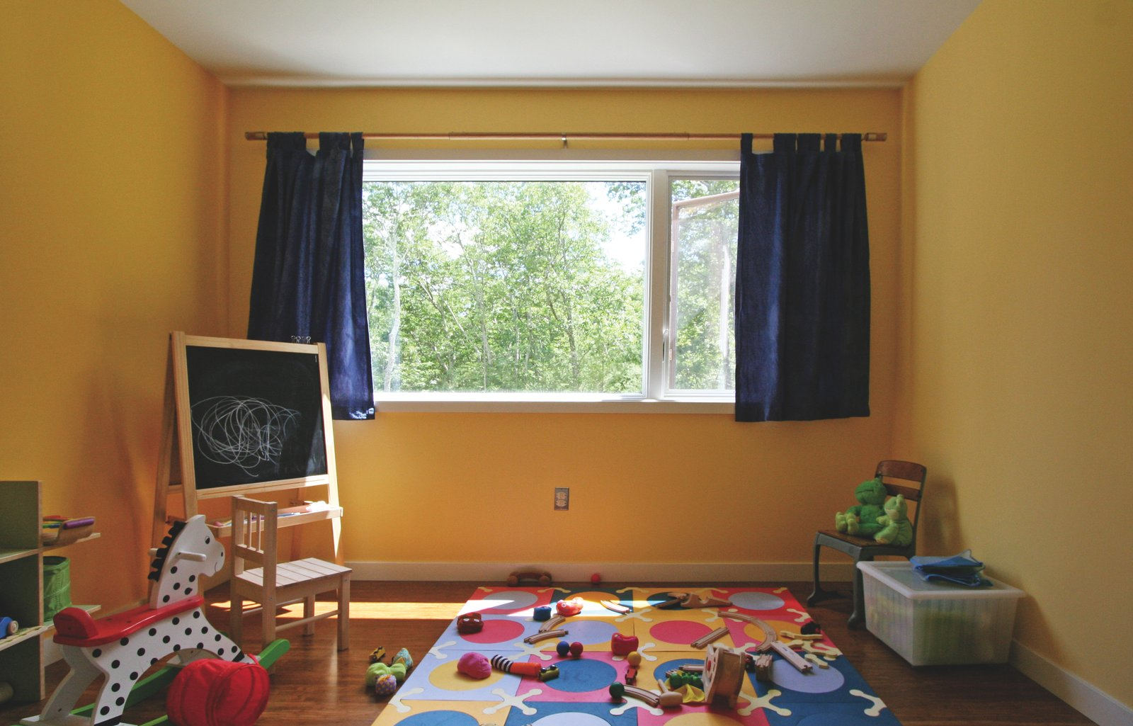 Brightly-painted children's bedroom  Catskills Suburban by Resolution: 4 Architecture