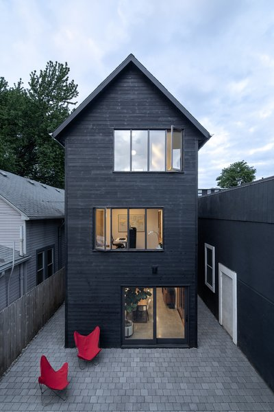A Tall, Skinny Home Makes the Most of a Narrow Lot in Portland, Oregon
