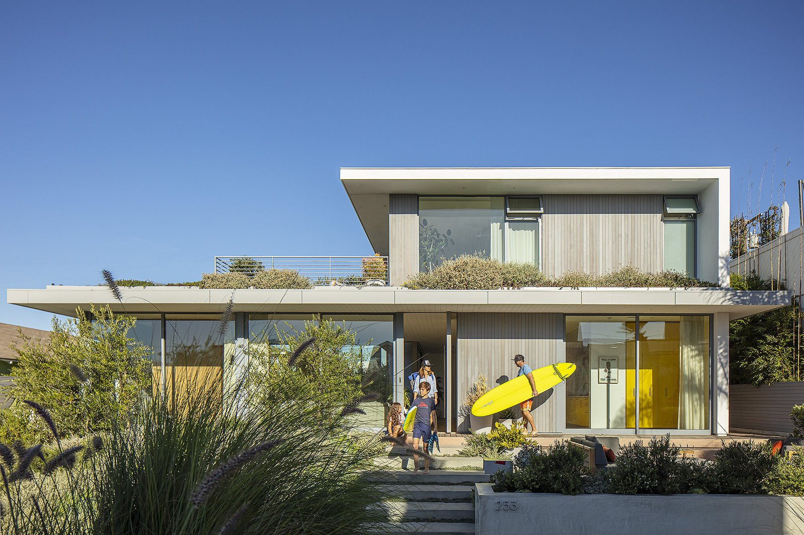 31st Street Residence by LM Design exterior