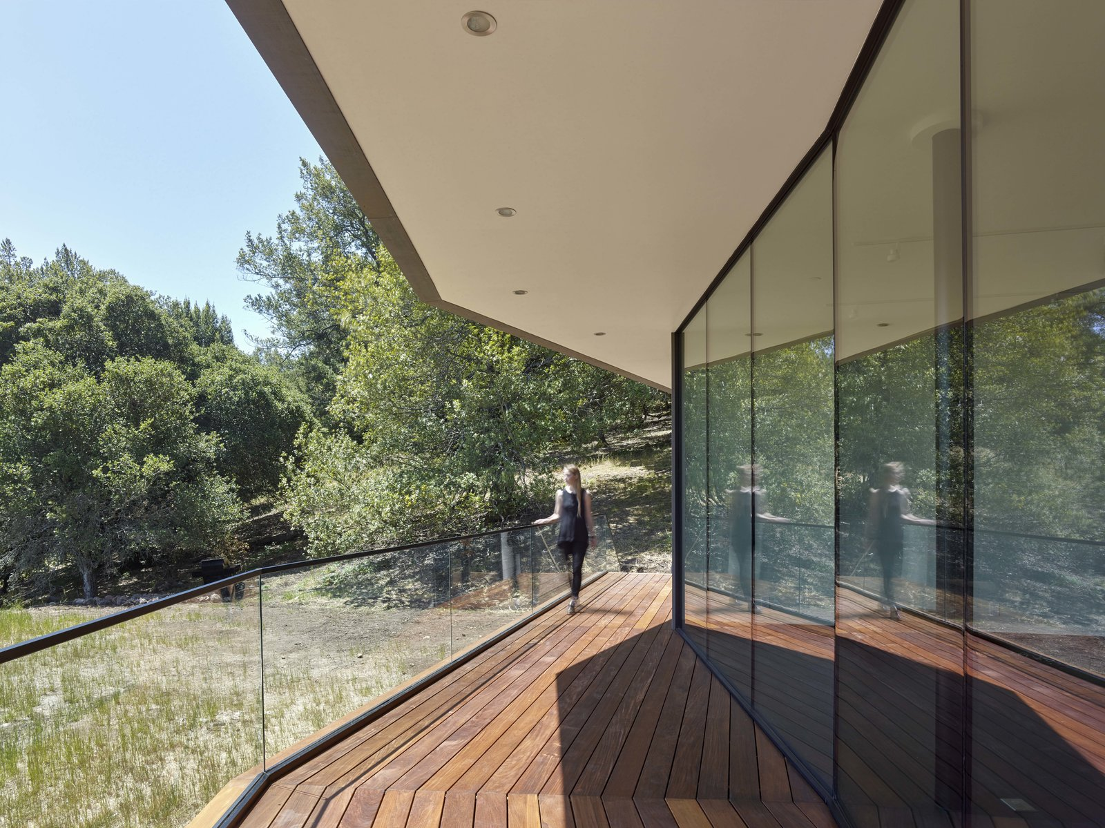 Exterior, Wood Siding Material, Flat RoofLine, and House Building Type Front deck  Box on the Rock by Schwartz and Architecture