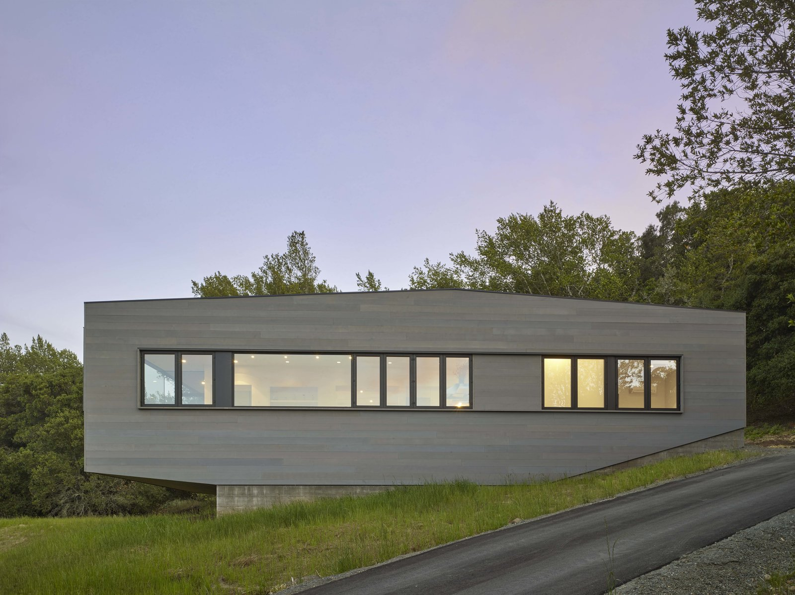 Exterior, Wood Siding Material, and House Building Type Side Elevation  Box on the Rock by Schwartz and Architecture