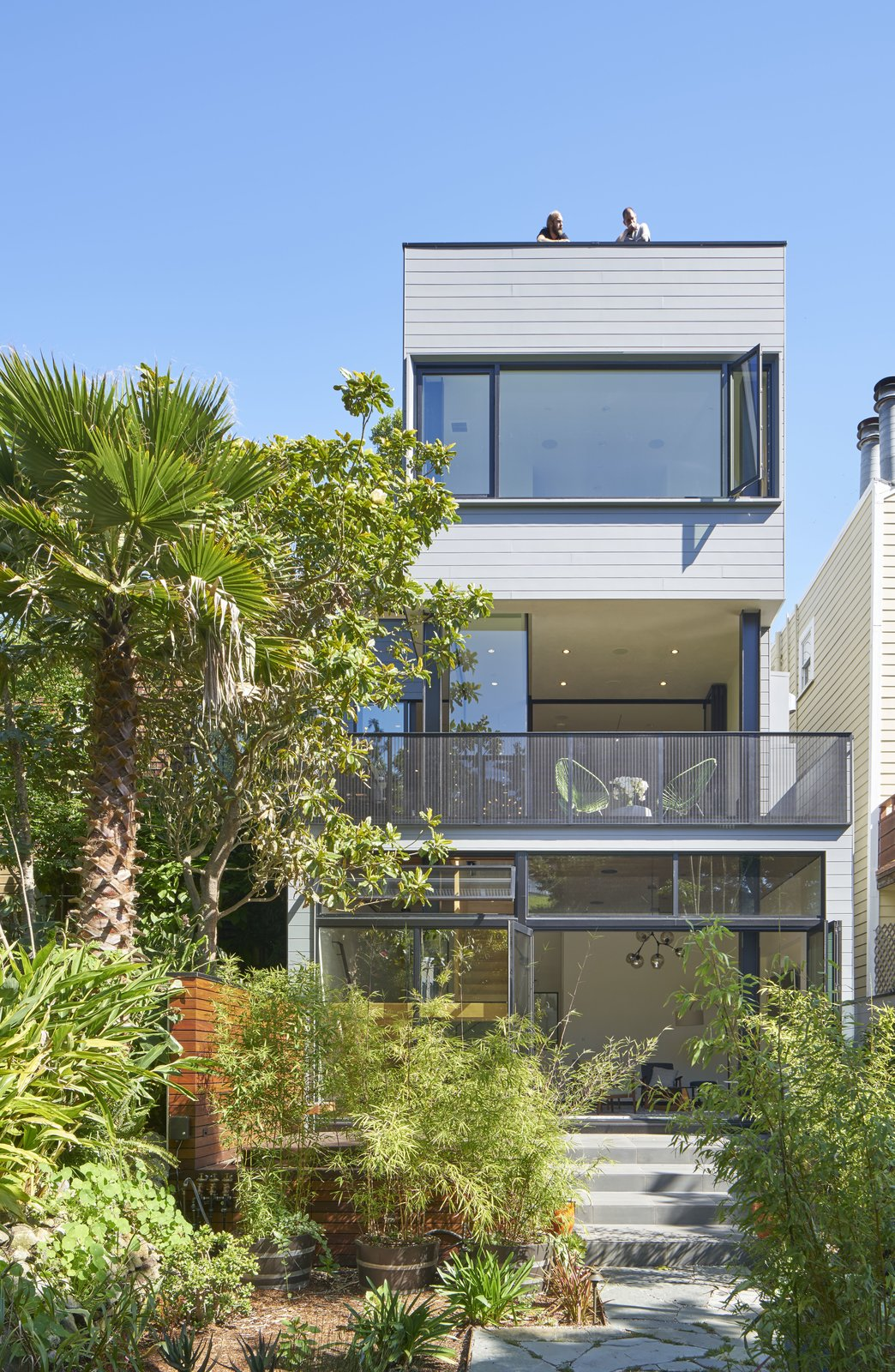 Outdoor, Hardscapes, Walkways, Gardens, Trees, Shrubs, Back Yard, Metal Fences, Wall, Garden, and Wire Fences, Wall 29th Street Residence in San Francisco, California  29th Street Residence by Schwartz and Architecture
