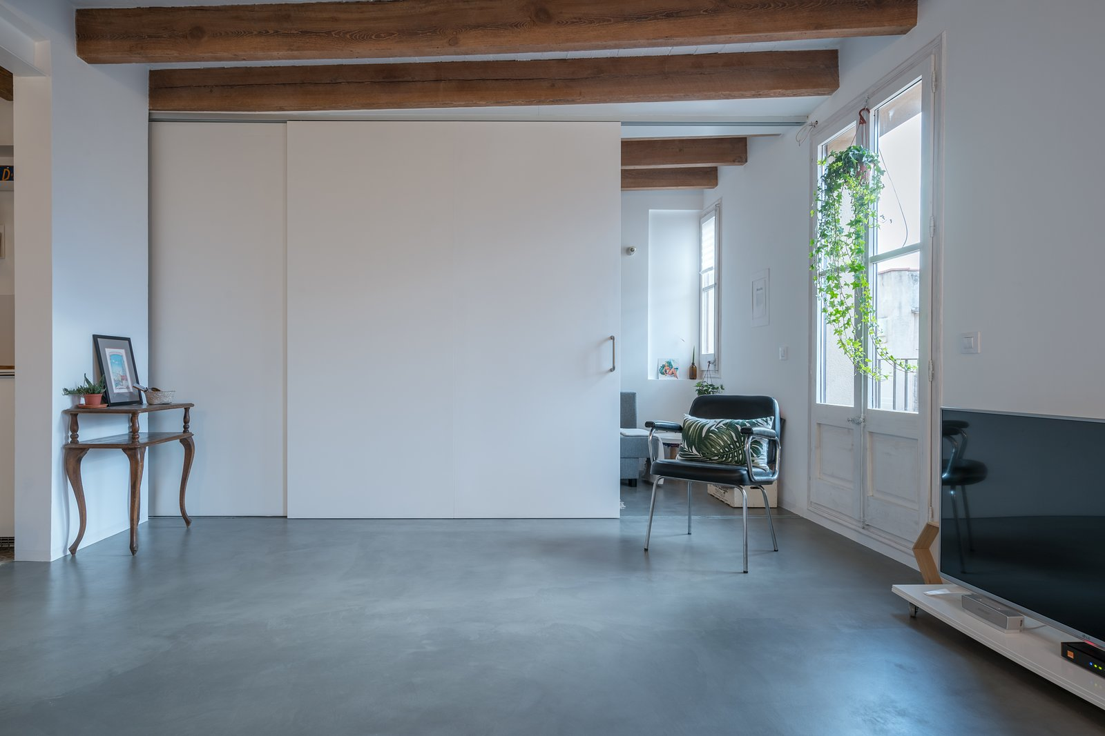 Operable Wall  Old Town Refurbishment by Habitan Architects