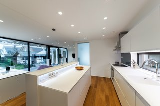 Coodo 64 comes equipped with a full kitchen, bathroom, and bedroom.