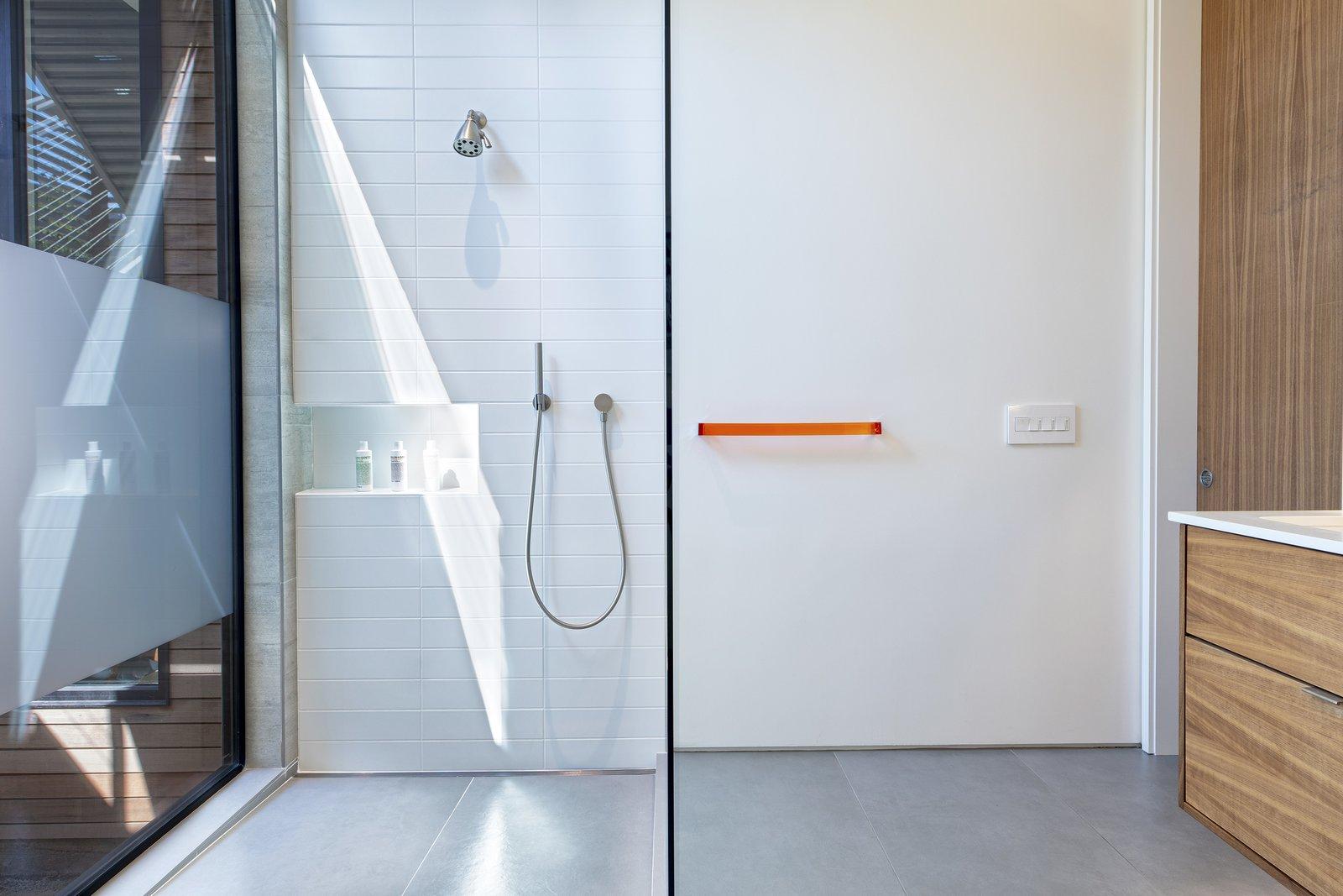 Bath Room Main Bath  Precita Park Residence by Studio Sarah Willmer, Architecture