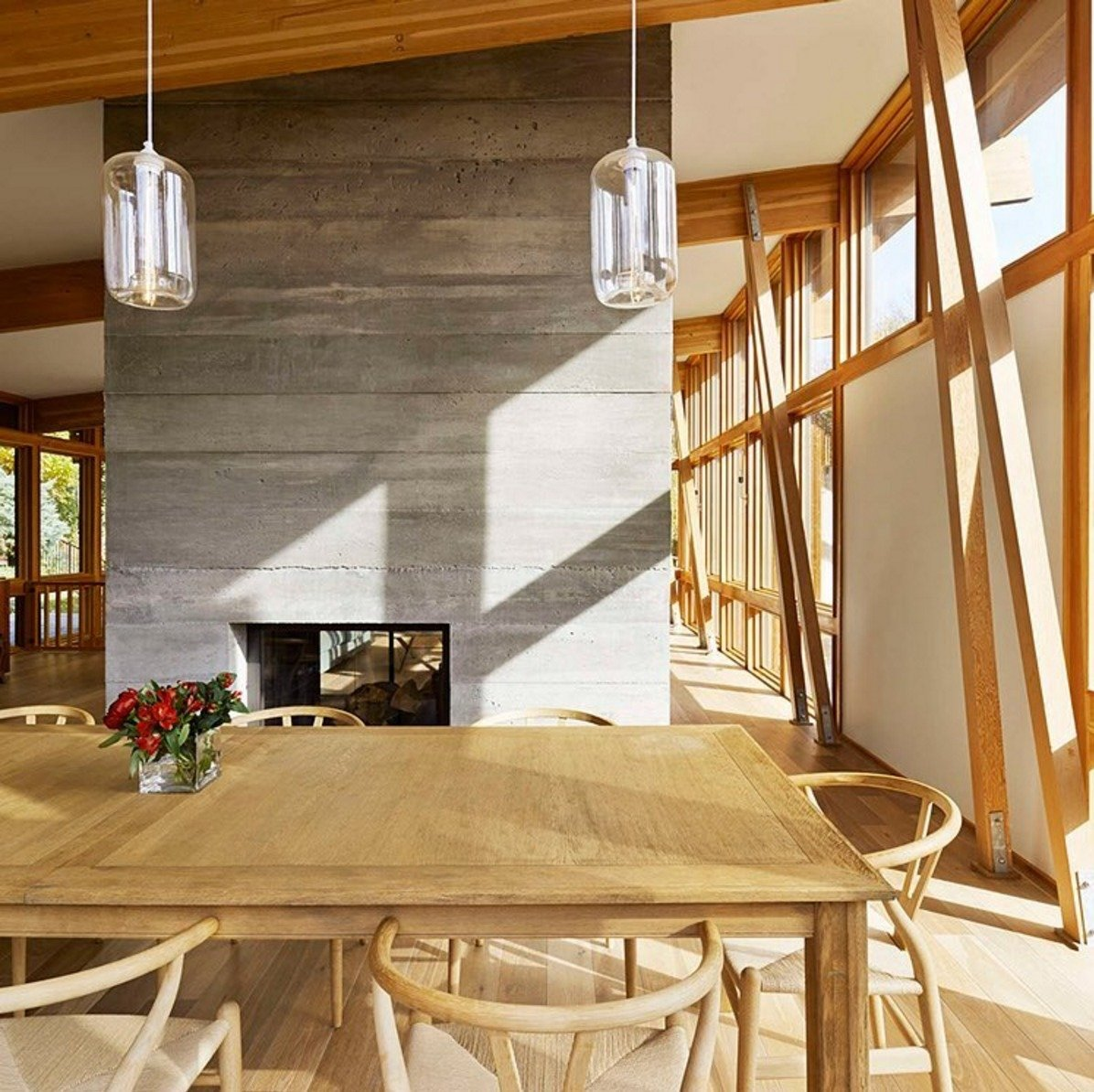 Take a peek at 3 #kitchen #table #pendant #lighting installations that embrace #midcentury #modern. Featured interior designed by Ole Sondresen.  60+ Modern Lighting Solutions by Dwell