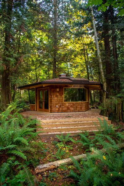 The hexagonal backyard studio that Marlin and Ryan Hanson, of Hanson Land & Sea, designed and built in British Columbia, Canada, is clad with western red cedar shakes and a metal roof.