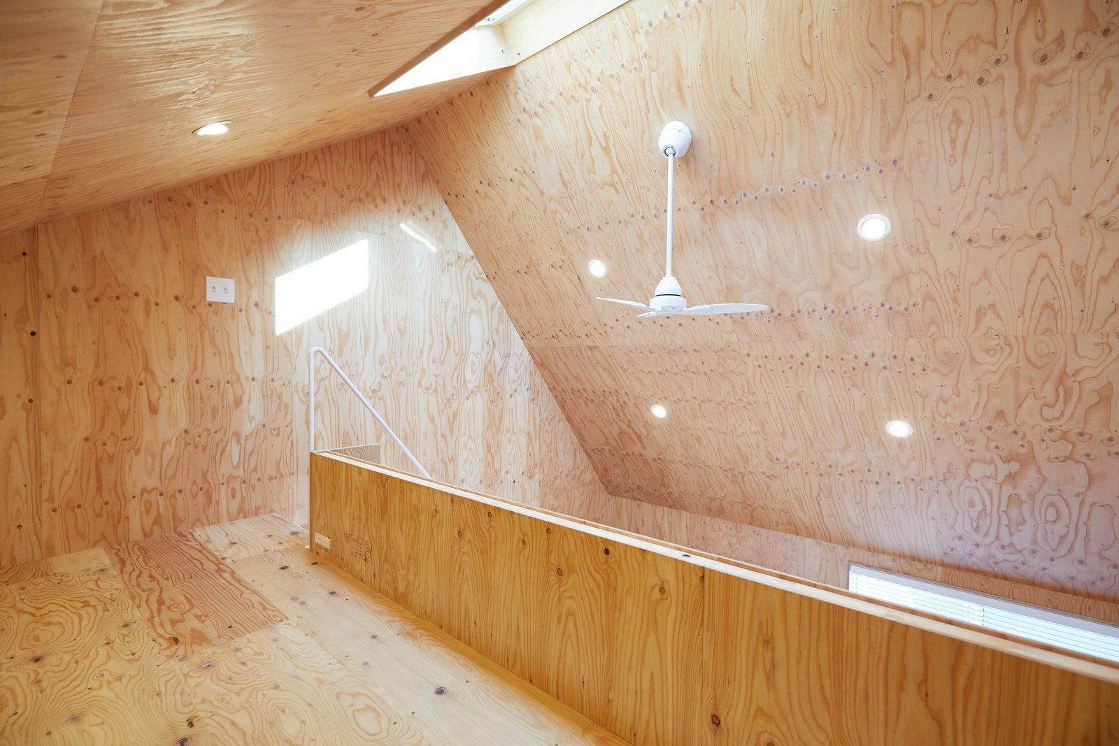 Milk Carton House Tenhachi Architect and Interior Design loft