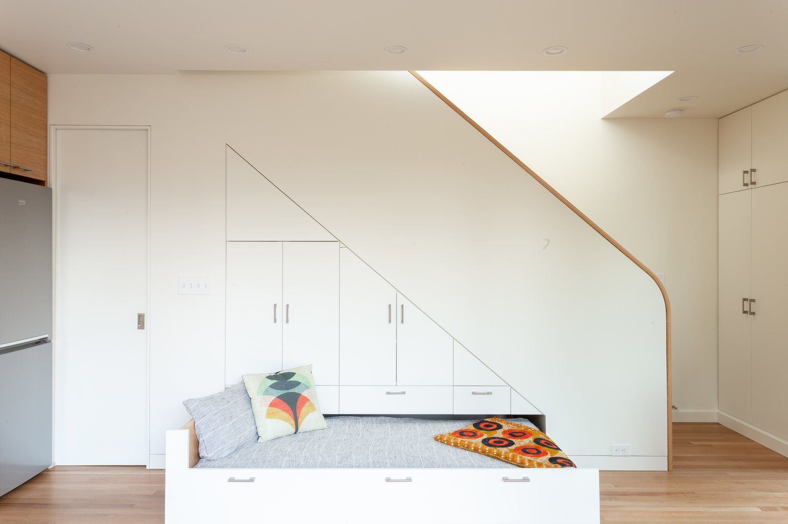 Rodney Avenue ADU pull-out bed
