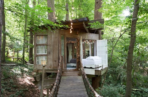The treehouse consists of 3 separate areas, mind, body and spirit, that are connected by rope-bridges. Courtesy of Airbnb