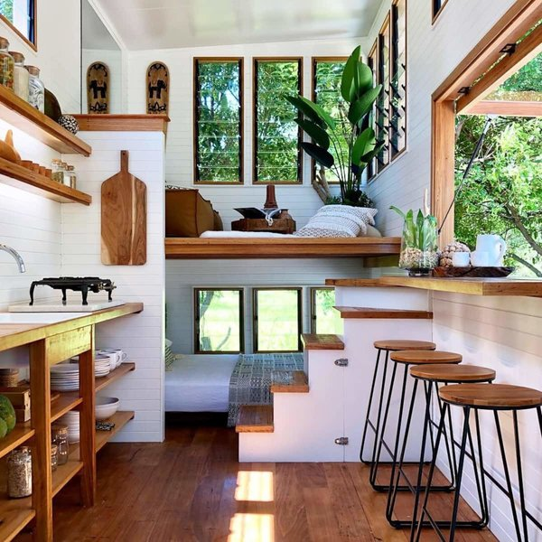 Guests who visit Byron Hinterland Tiny House have access to five acres of grassland and bush and can pick citrus in an orchard on the property.