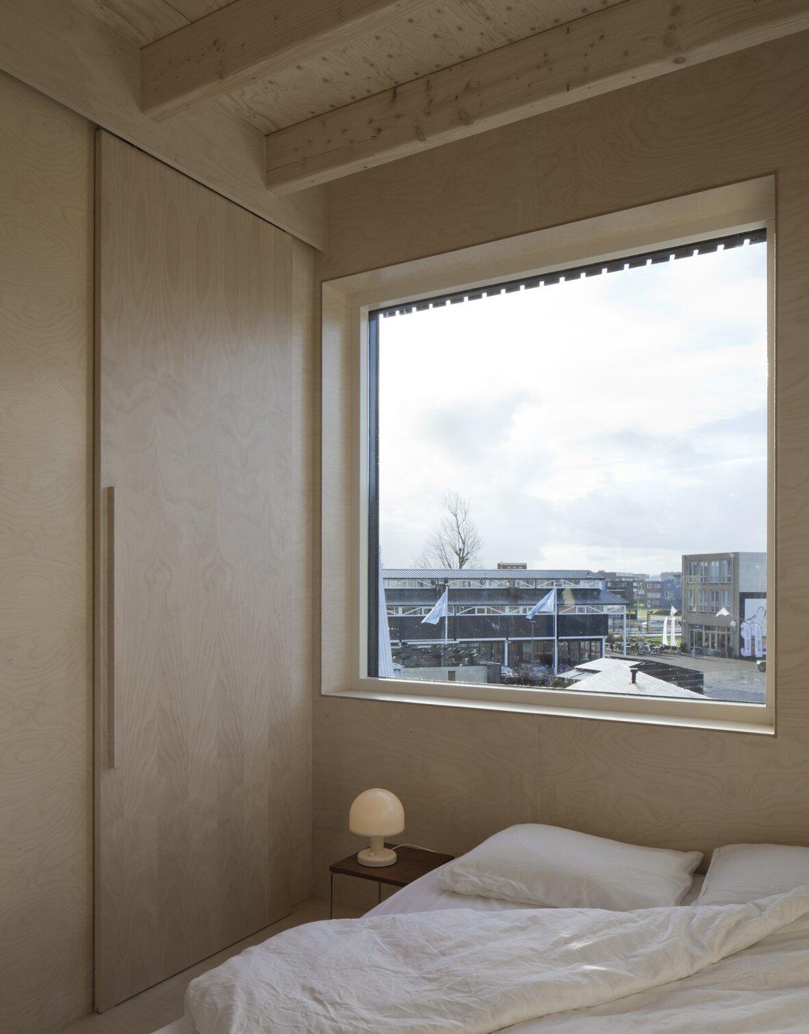 Micro House Slim Fit bedroom
