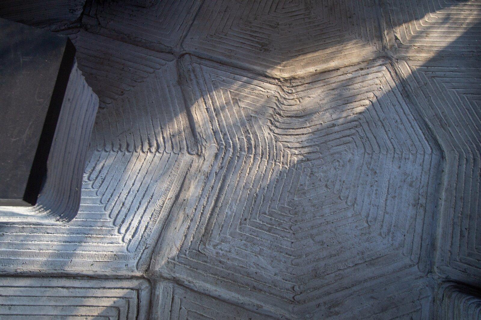 Ashen Cabin 3d-printed concrete floor
