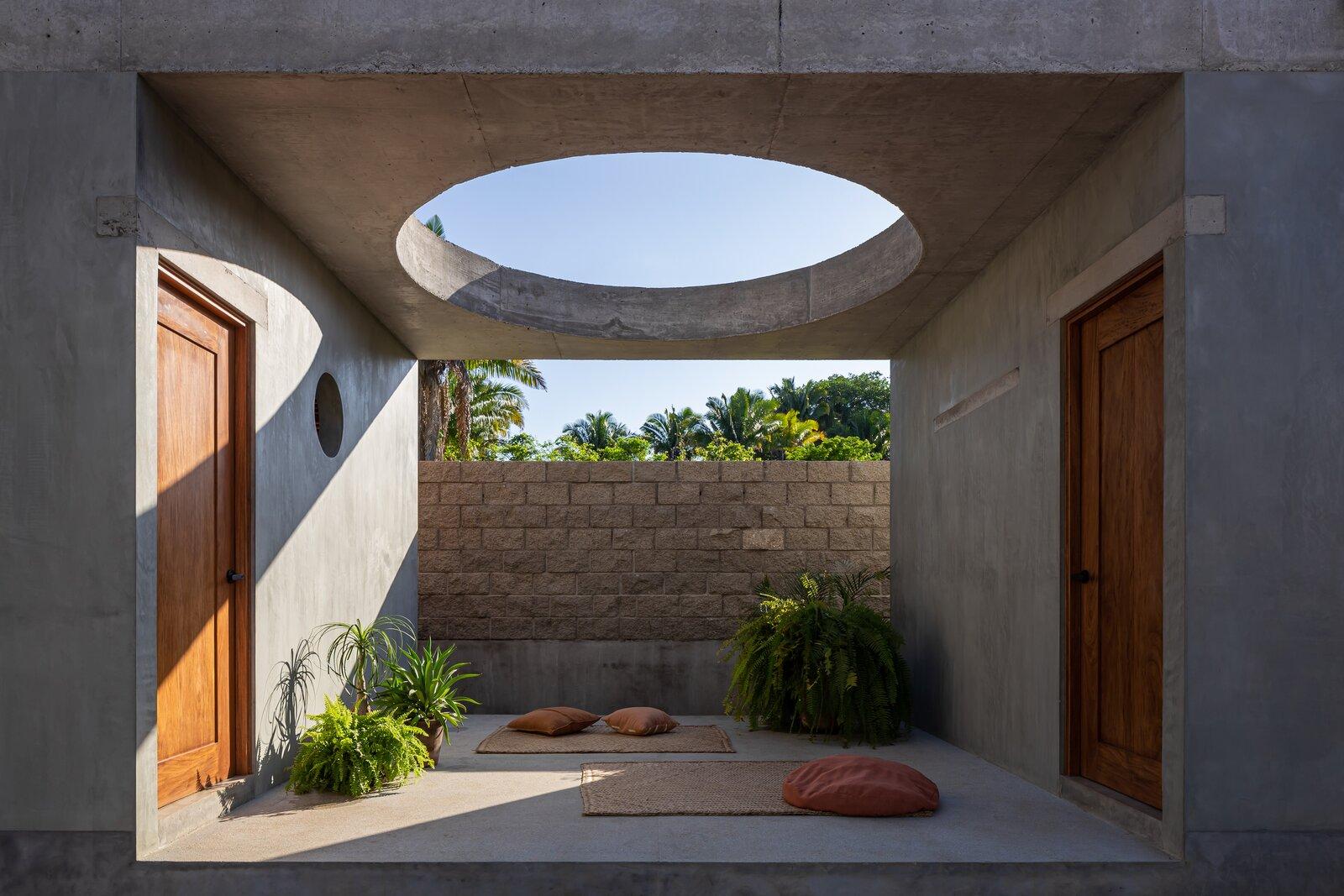 Litibú Tiny House courtyard