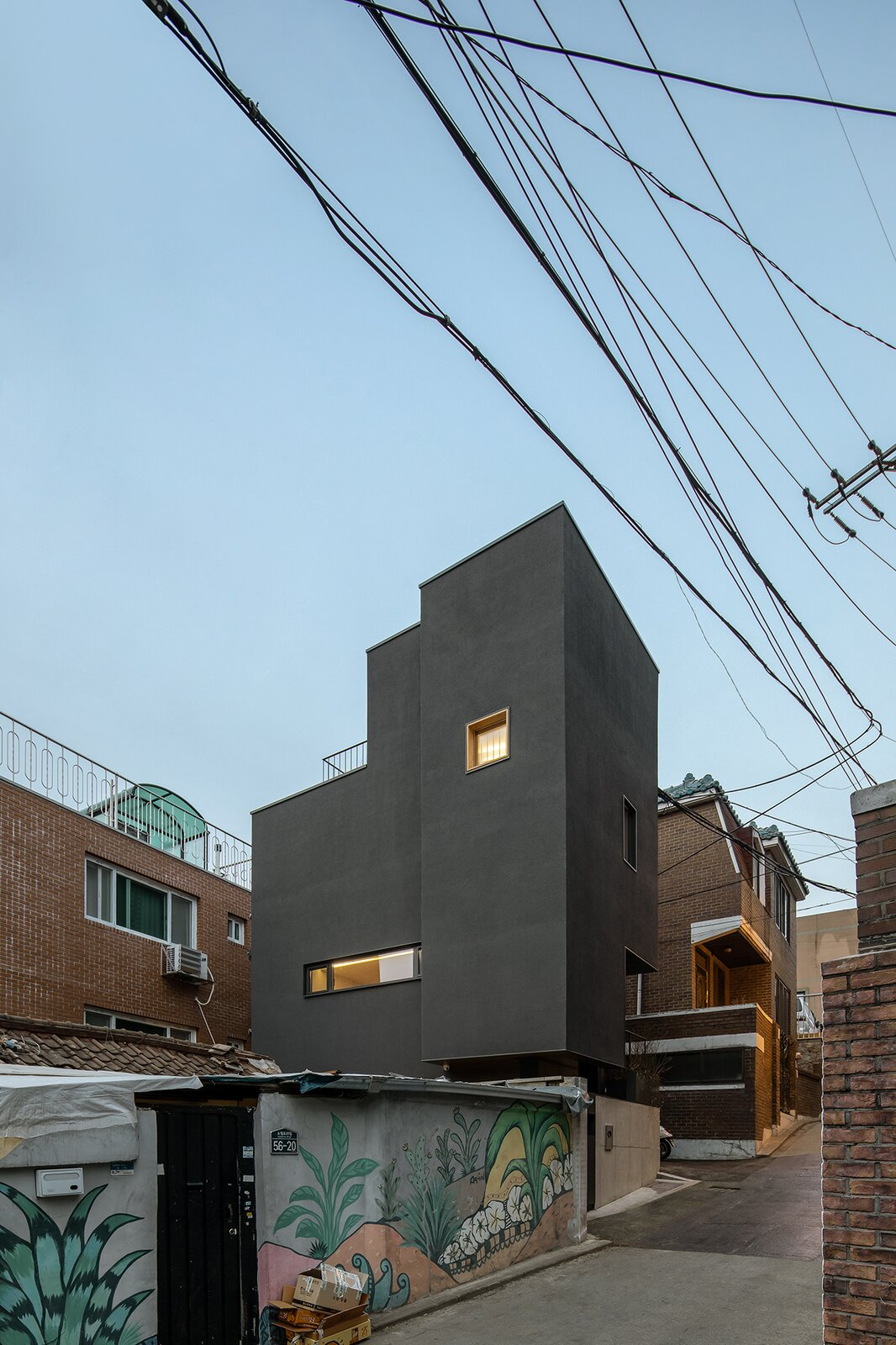 This Slender Home in Seoul Has One Room on Each of Its Four Levels