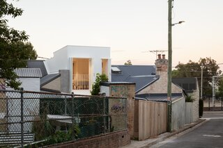 A Luminous Micro-Home Peeks Above the Rooftops in Sydney