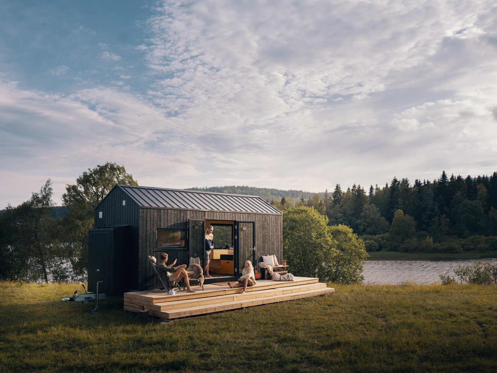 Norske Mikrohus's latest project, Rast, is a 174-square-foot-home that promises to get you closer to nature.