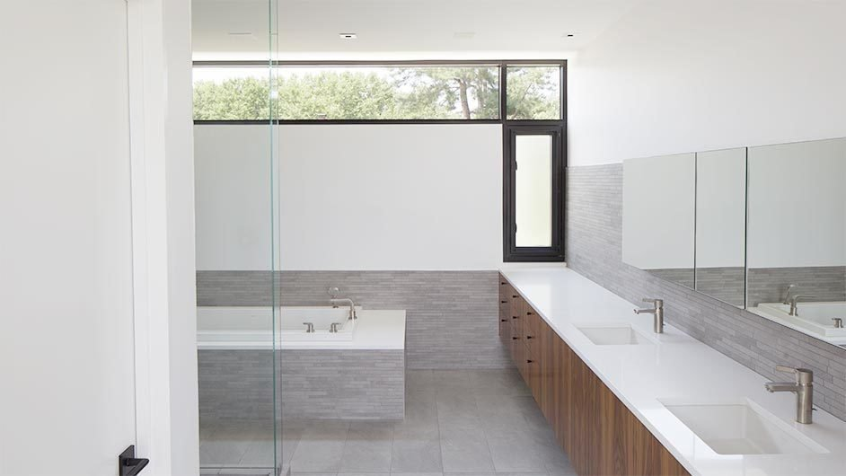 #interior #bathroom #tile #kansascity #baulinderhaus #hufft  Photo credit by Mike Sinclair  BauLinder Haus by Hufft