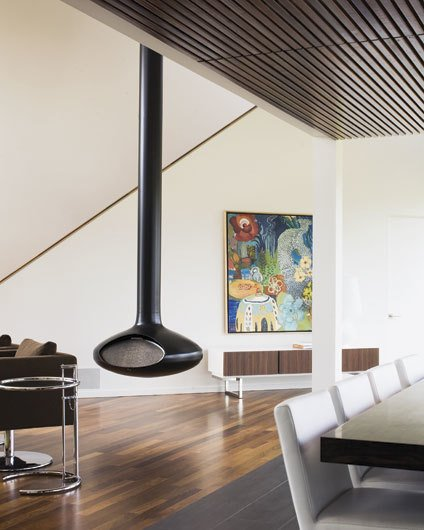 Hufft suspended fireplace