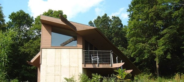 The Massachusetts-based Noble Homes offers modern kit homes with customized floor plans. They also have design-build (where they serve as architect and builder) services for local customers and have passive solar house kits. They also maintain a demonstration house in Colrain, MA that is available for rental.