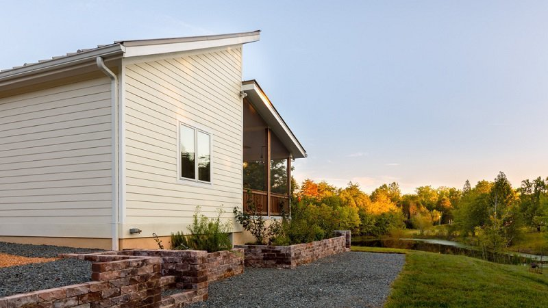Exterior and House Building Type Located in Asheville, NC, Deltec Homes offers Net-Zero options with solar panels.  Photo 7 of 8 in 7 East Coast Kit Home Companies