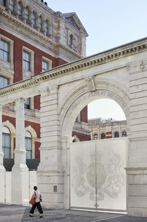 The museum's original Aston Webb screen was modified and incorporated into the new main entrance.