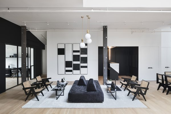 In a former foundry that was most recently home to Vice Media, a new members-only co-working space opens up for business, featuring stunning interiors designed by The New Design Project. Located in Williamsburg, at the epicenter of Brooklyn's creative hub, The New Work Project is a design-led, private workspace for individuals and businesses in the creative industries—supporting freelancers,