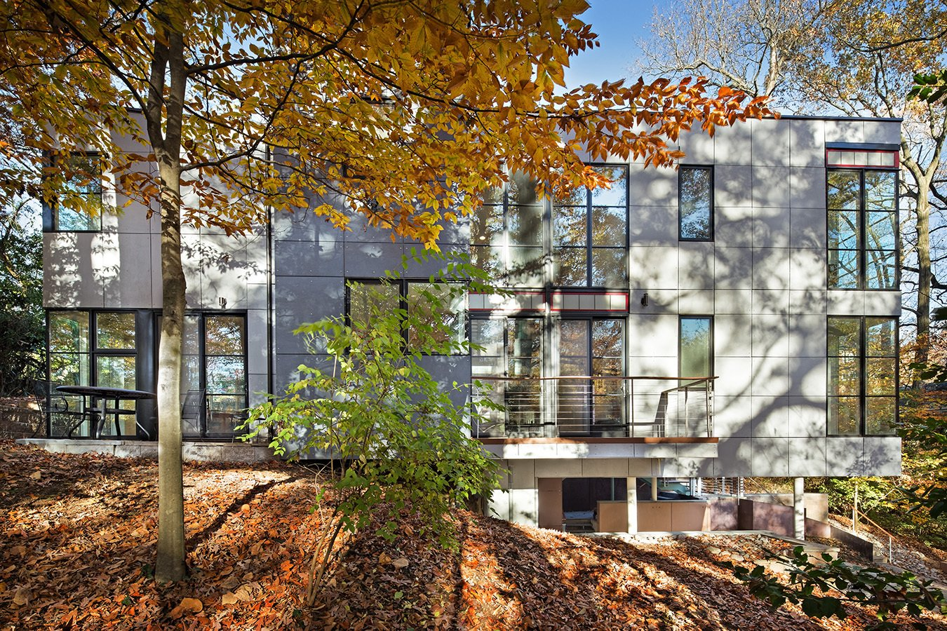 """""""The house forms a linear structure in a cantilever cube with one being open and the other enclosed,"""" explains Nichols.  Photo 13 of 16 in An Airy, Award-Winning Maryland Gem Hits the Market"""