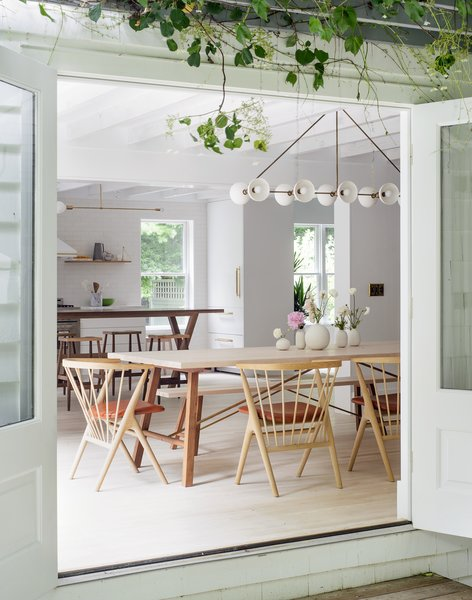 Taking cues from their style-conscious clients, Portland-based Jessica Helgerson Interior Design transforms an Amagansett home into a light-filled, Scandinavian-inspired getaway.