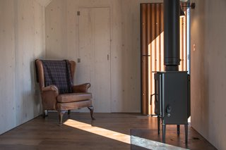 The innovative, contemporary cabin is also firmly rooted in the traditions of rural living.