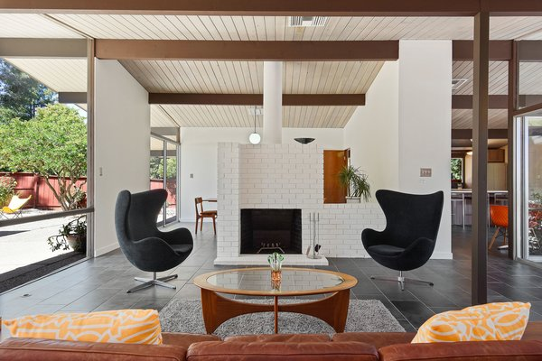 A Bright and Breezy Eichler Hits the Market at $1.45M in California