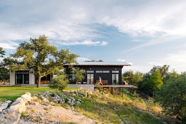 An Old Texas Ranch Becomes a Spectacular Family Haven