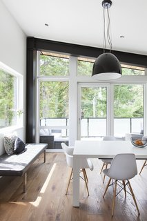 Floor-to-ceiling windows offer sweeping views of the surrounding mountains, with interesting views from every angle.