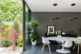 The mix of materials feels chic and polished, while also cultivating a natural, earthy vibe.