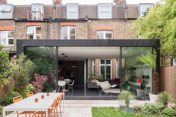A Swoon-Worthy London Apartment Is Listed For £1.8M
