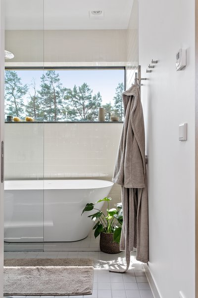 The zen-like bathroom.