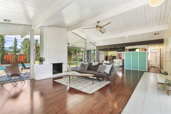 When comedian Adam Carolla purchased his midcentury home three years ago, he did so with the intention of doing major renovations on the 1963 gem. His renovations included a complete revamp of the kitchen, new terrazzo and hardwood flooring, and a gut-renovated master suite.